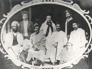 Sri_Aurobindo_with_Tilak_and_other_Nationalists_leader,_1907.